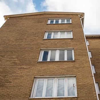 bild på bytta fönster på BRF Skillingen.